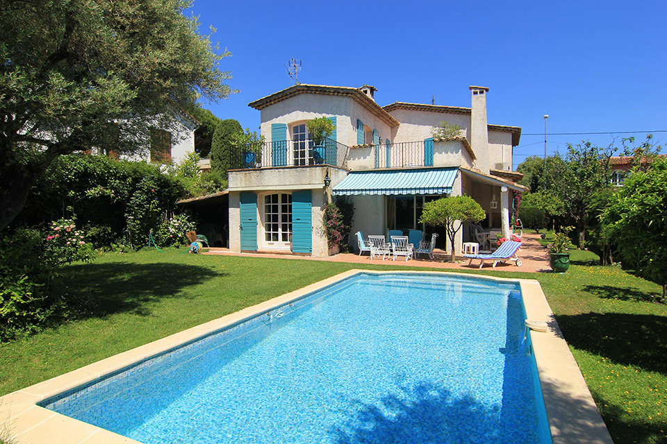 Lovely 5 bedroom villa on the Cap d'Antibes