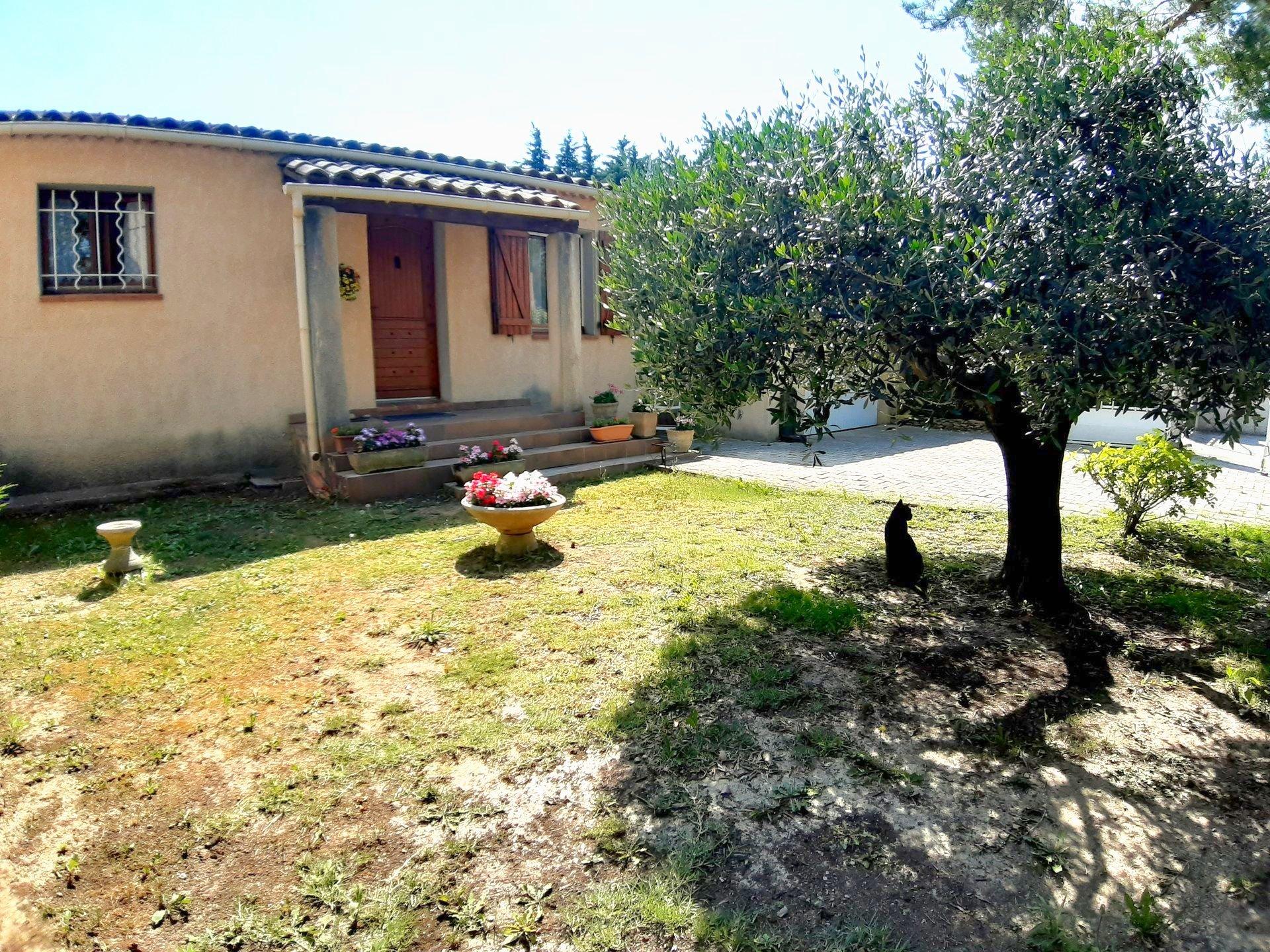 Maison plain pied avec jardin et garage