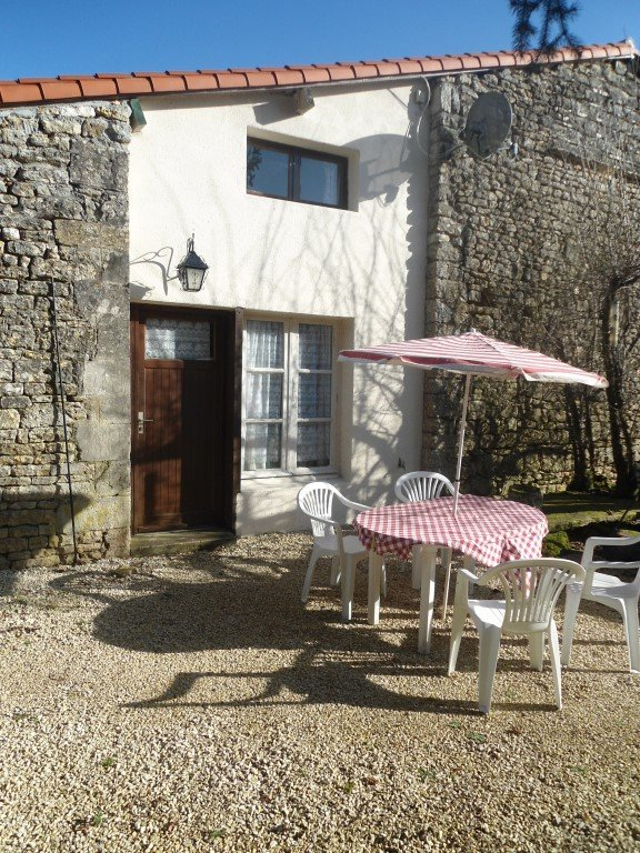 For sale houses and 5 holidayhomes near Villefagnan,Charente