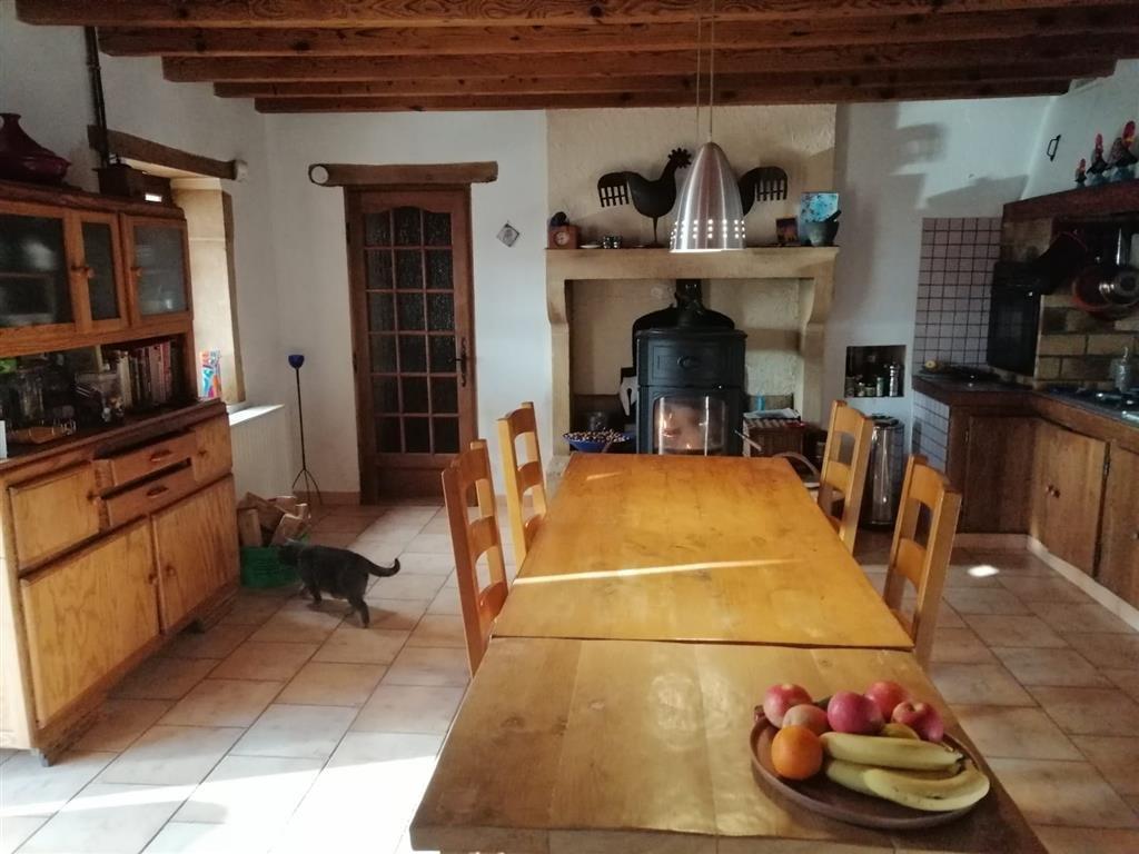 Haus auf 20,20 ha mit kleinem See zum Verkauf im Burgund