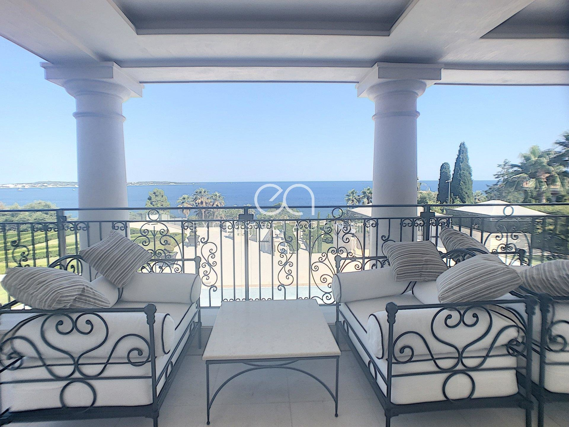 CANNES EDEN VERY UNIQUE & SUMPTUOUS  MANSION