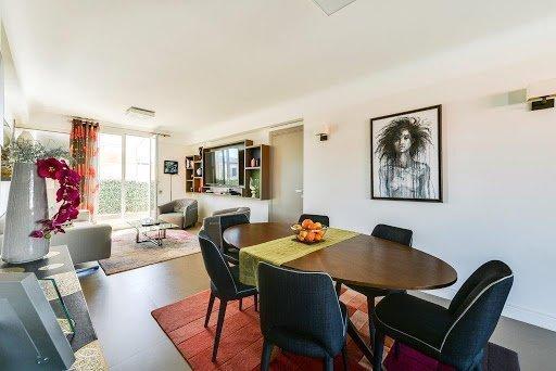 ALPES MARITIMES (06) - NICE A vendre 3 pièces en dernier étage avec Grande-terrasses de  70 m² - Vue mer