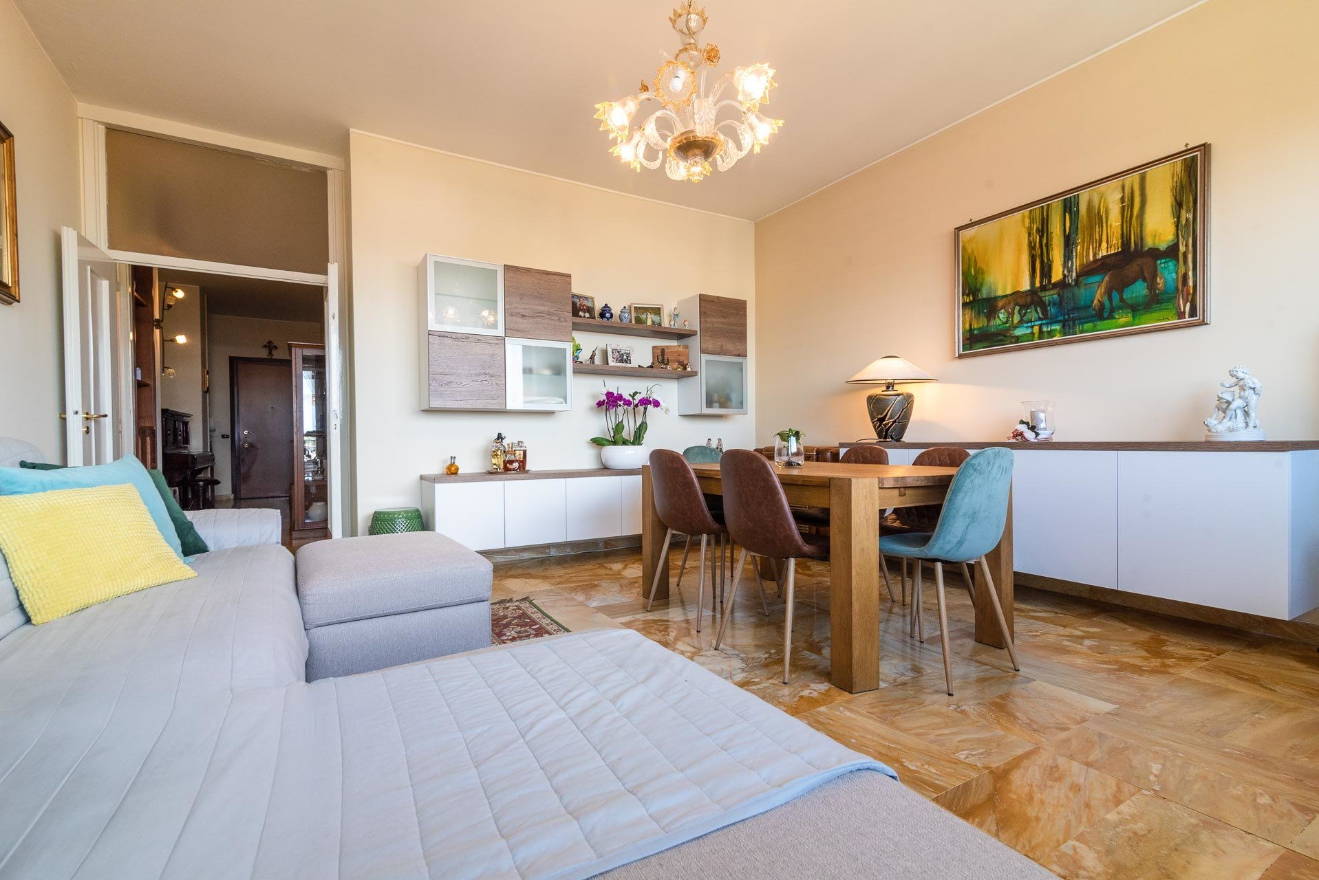 Apartment for sale in Stresa centre - living area