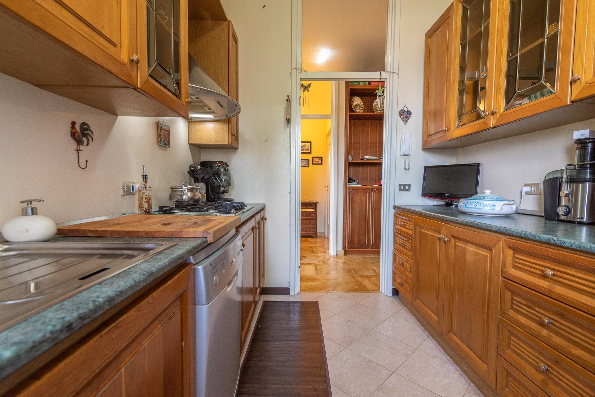 Apartment or sale in Stresa centre - kitchen