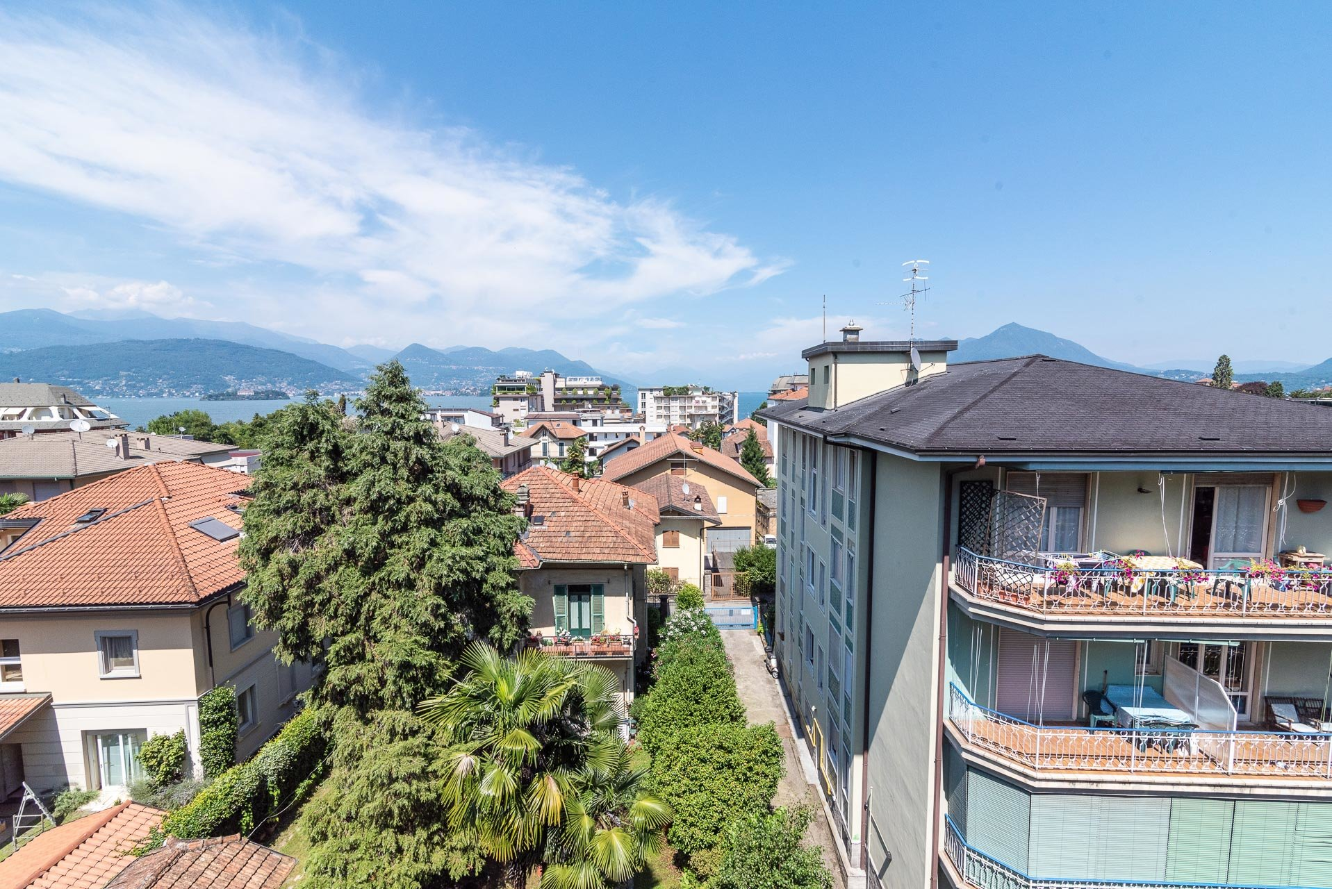 Apartment for sale in Stresa centre - panoramic view