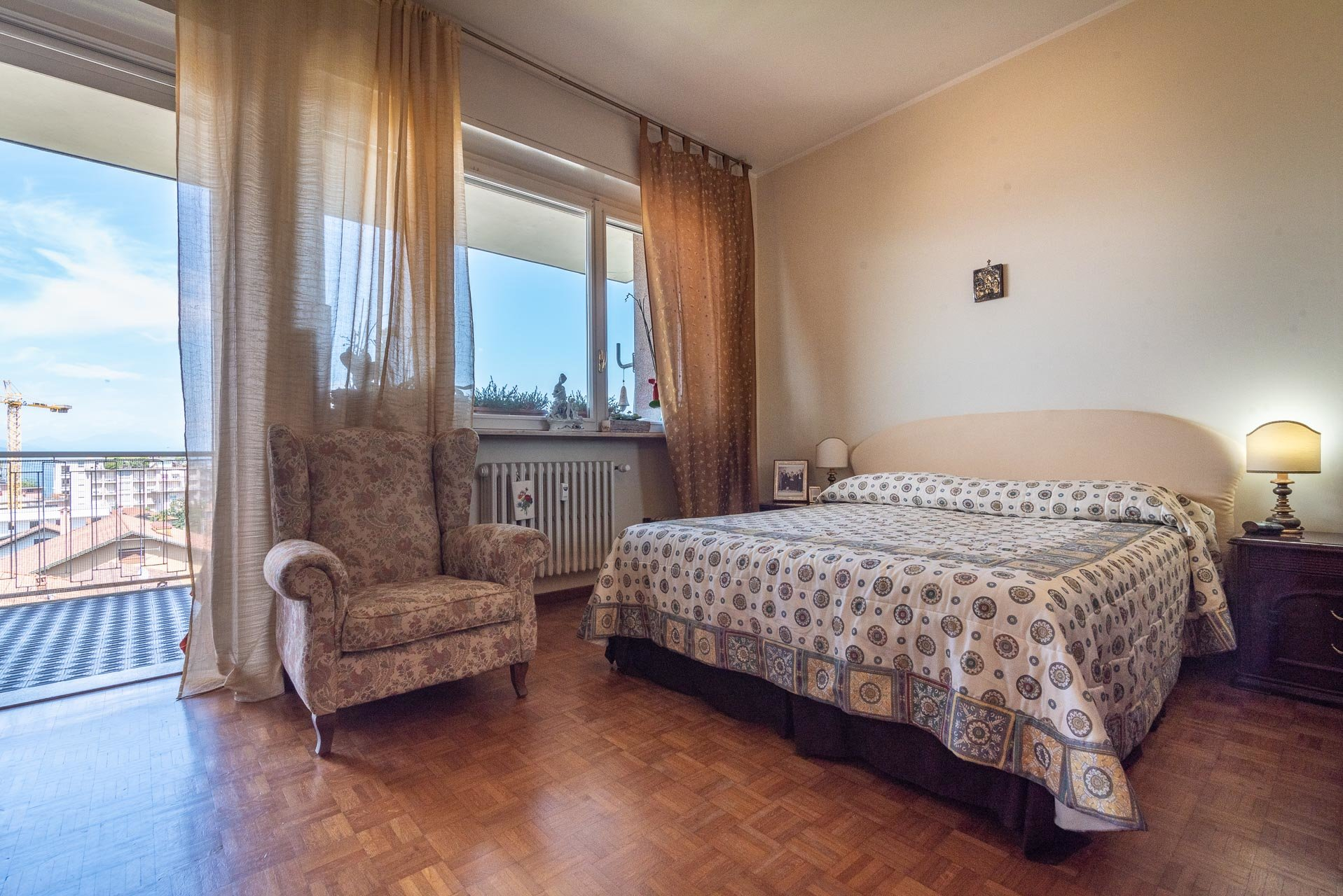 Apartment for sale in Stresa centre - bedroom with a view