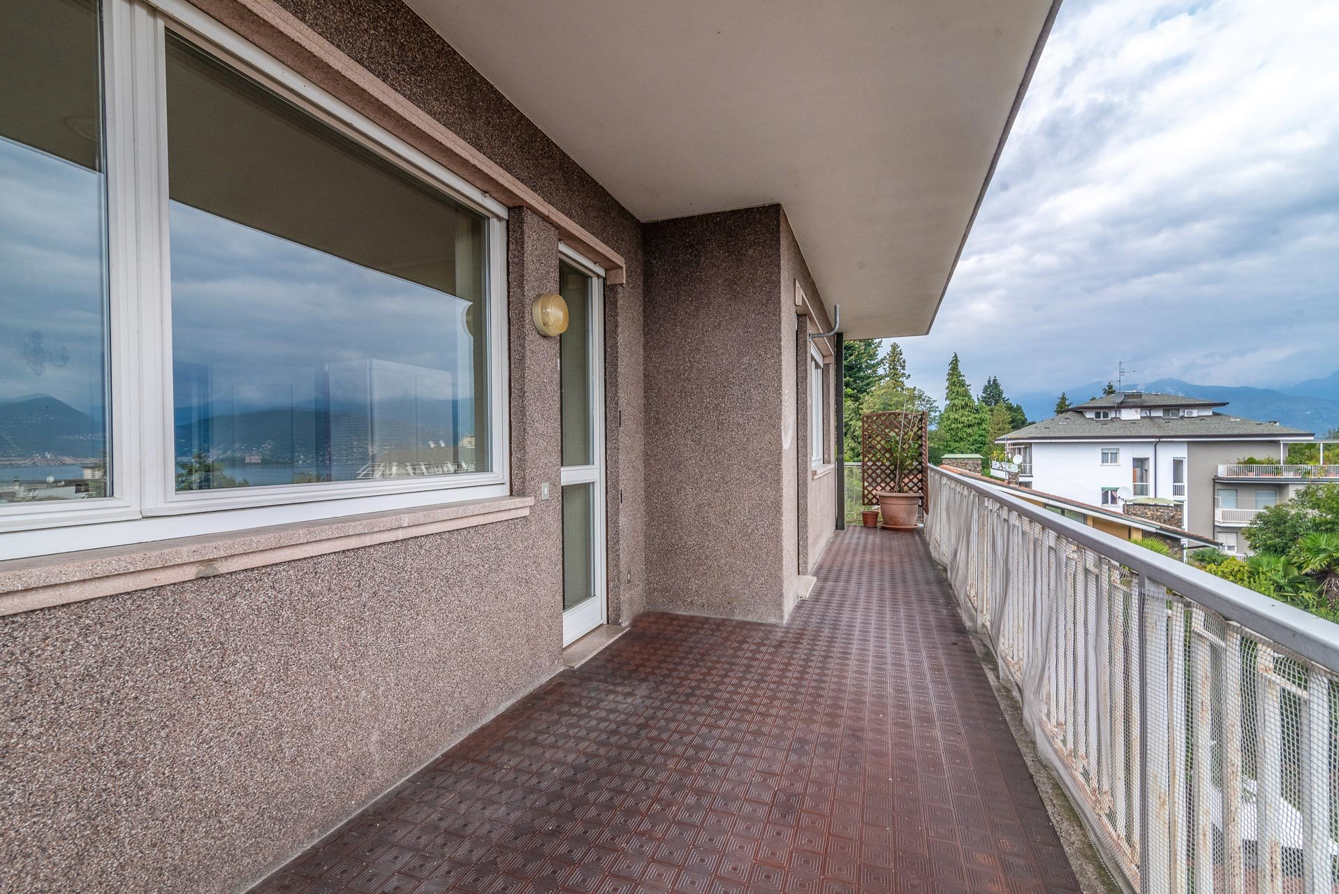 Apartment for sale in the center of Stresa - balcony