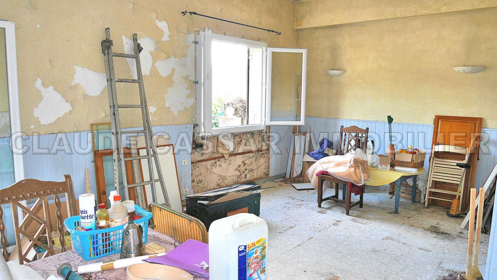 Three room flat to renovate !