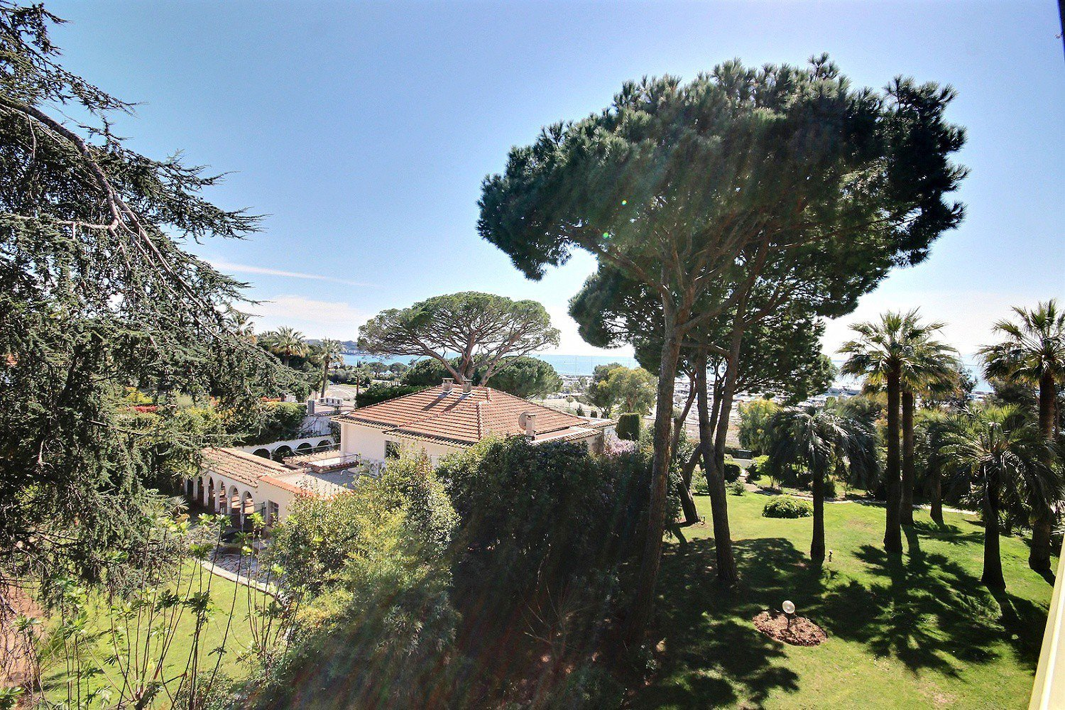 Cap d'Antibes - Sole agent - walking distance to the sea, shops and restaurants