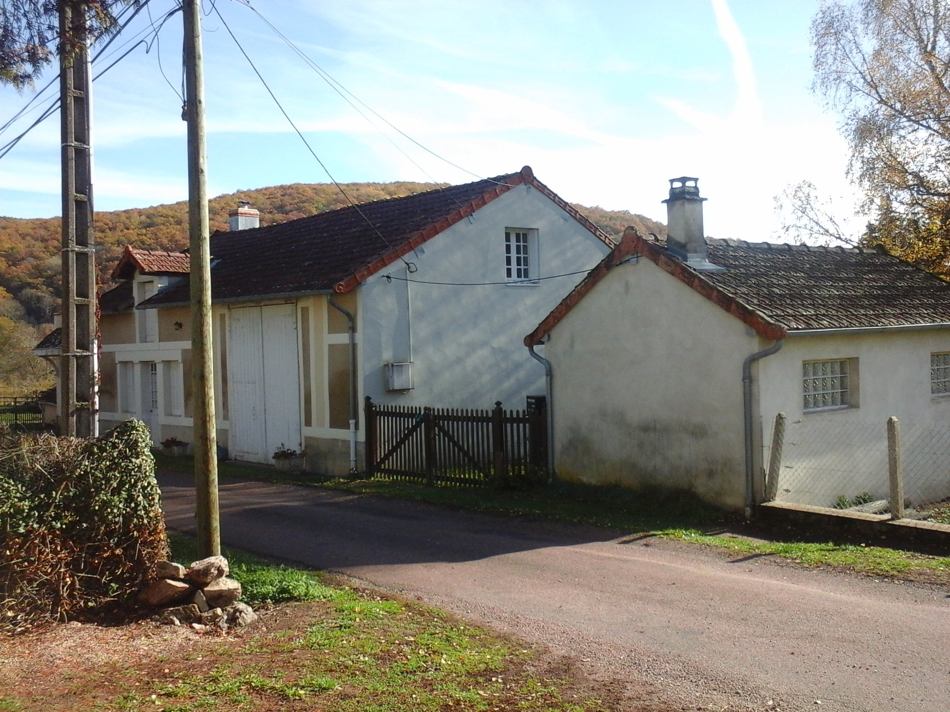 House with independent annex for sale in the Morvan