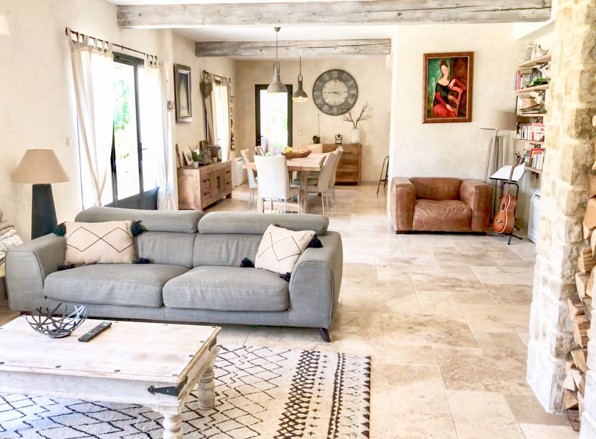 Mas 210m2 - 5/6 bedrooms - office - 5100sqm of flat land - garage - heated pool 10x4m and pool house landscaped - riverside (secure)