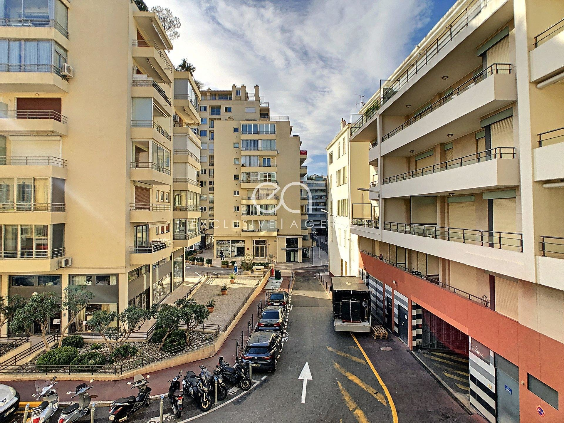 Cannes center 100m Croisette 1-bedroom apartment with terrace renovated