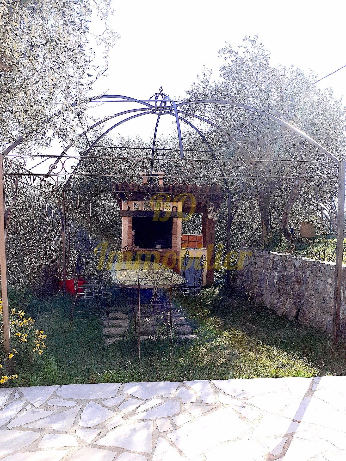 Maison individuelle de 100m² + terrasse + garage + terrain de 1000m²