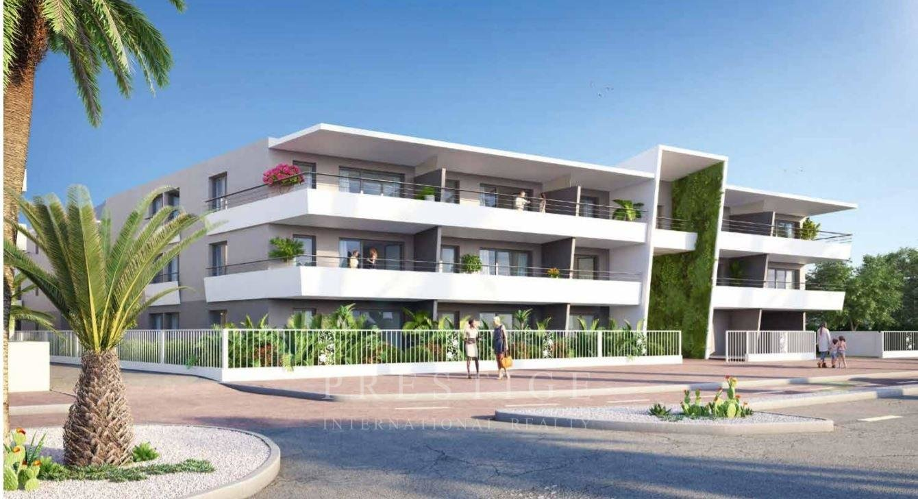Villeneuve Loubet Plage, 2-Bedroom Top Floor with 74 sqm Solarium and 2 car parks