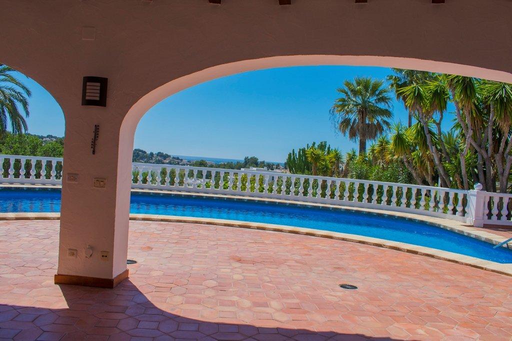 Villa avec piscine privée et vue mer