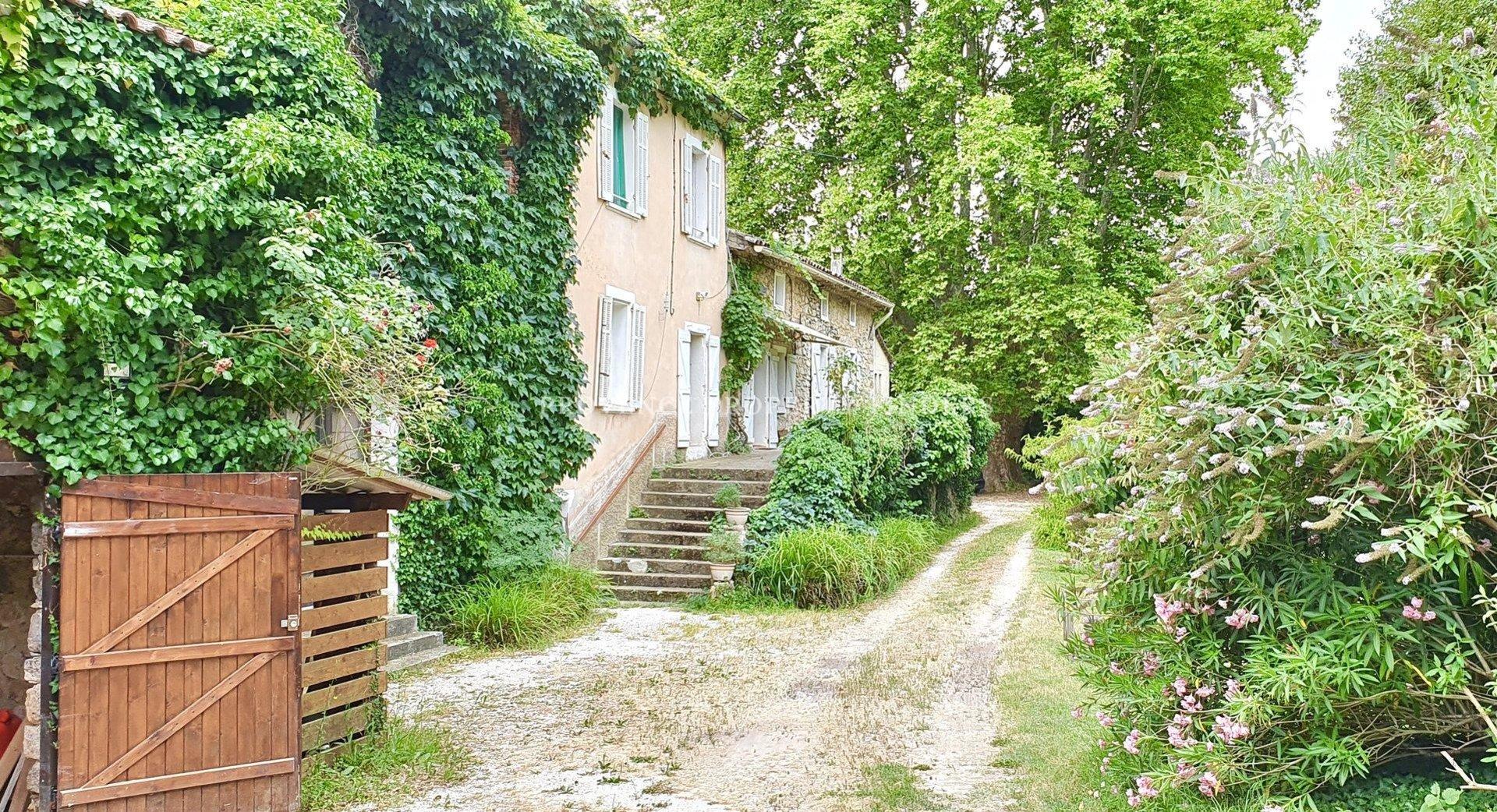Mooi huis uit 1800 in de Provence.