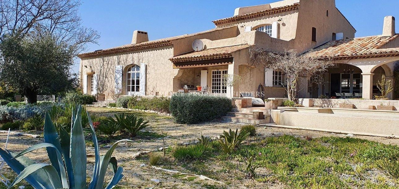 Prachtig huis met uitzicht, dichtbij het centrum van Flayosc.