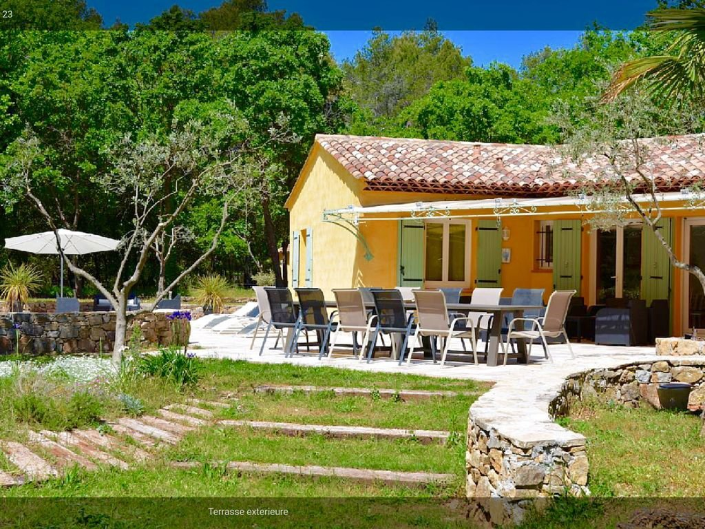 Nice villa in quiet surroundings close to Chateau Berne.