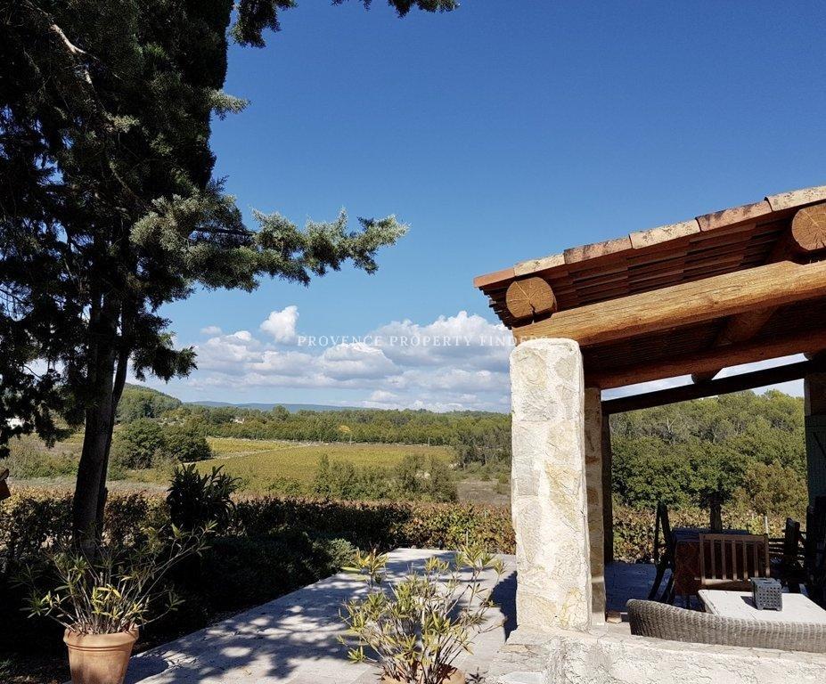 Prachtige oude bastide, gerenoveerd tussen de wijngaarden.