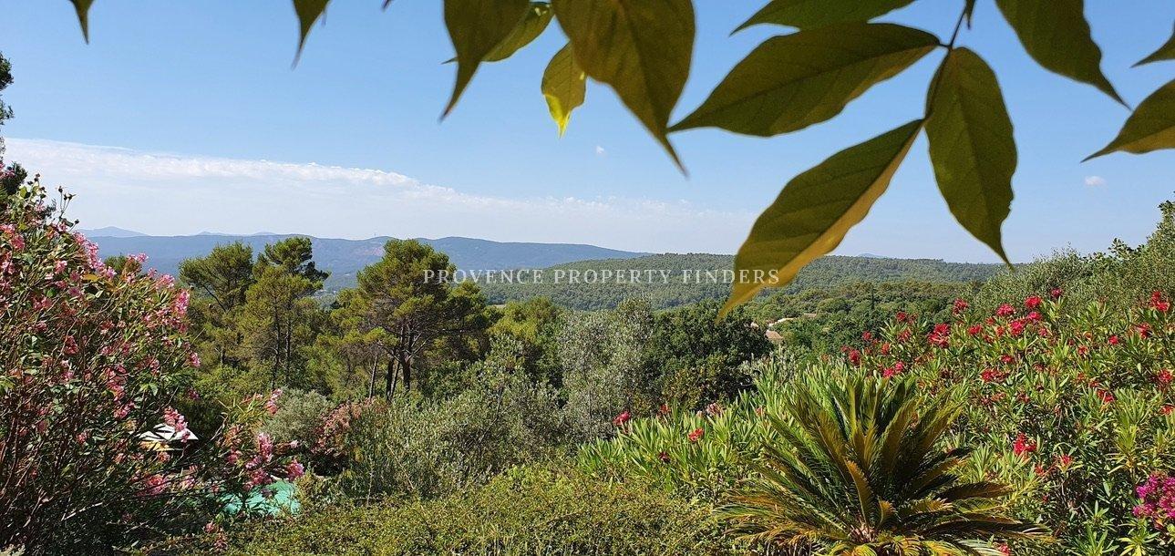 Villa in hartje Provence met mooi uitzicht.