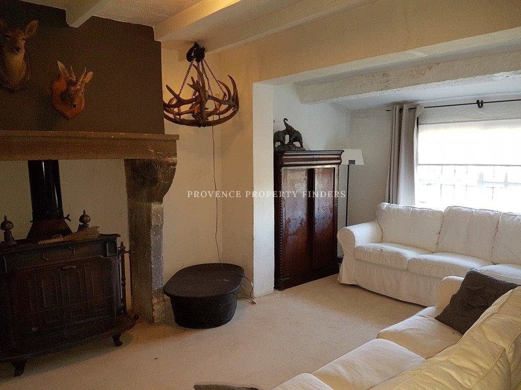 Under Contract    Large charming Property in Villecroze.