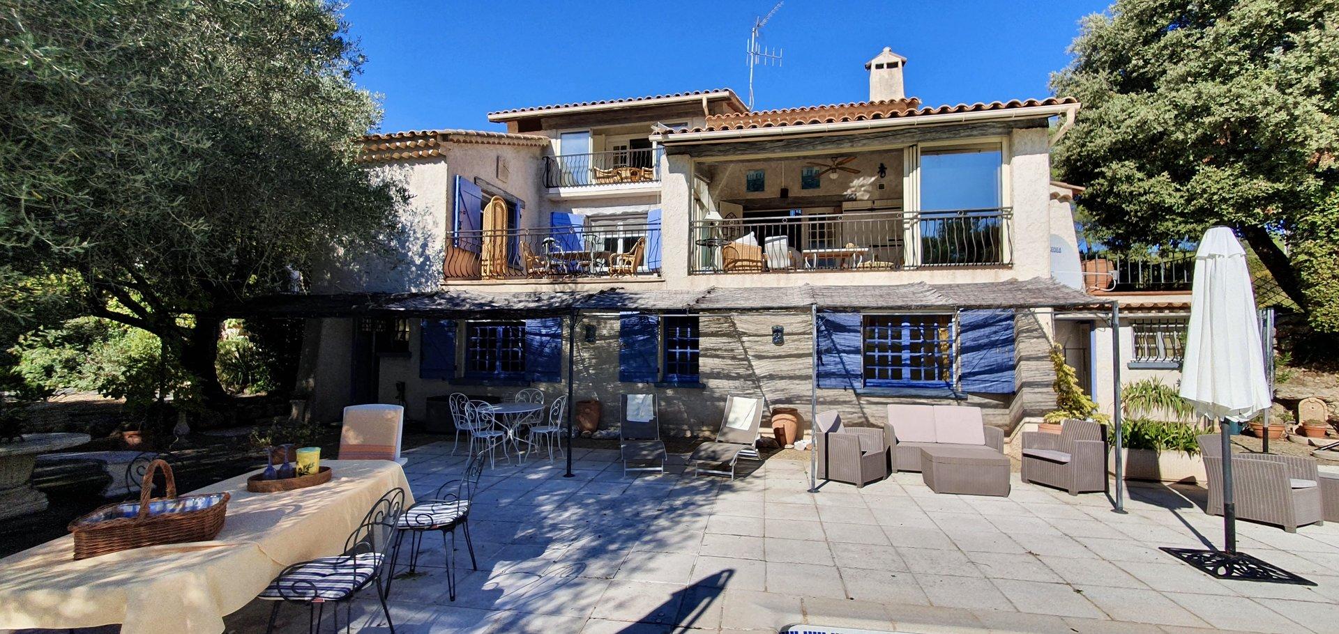 Mooie Provençaalse villa in Les Arcs, centraal gelegen