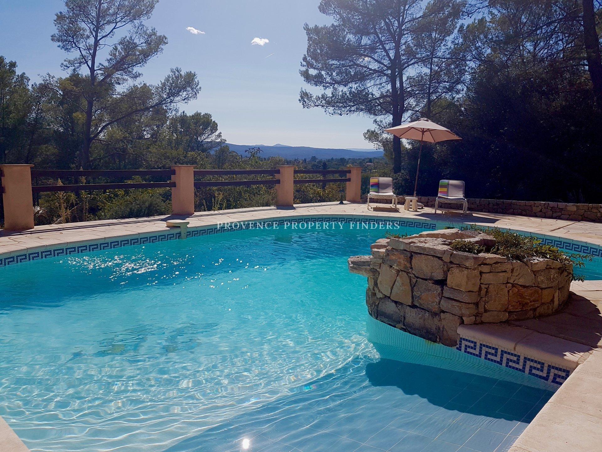 Provençale villa with a view.