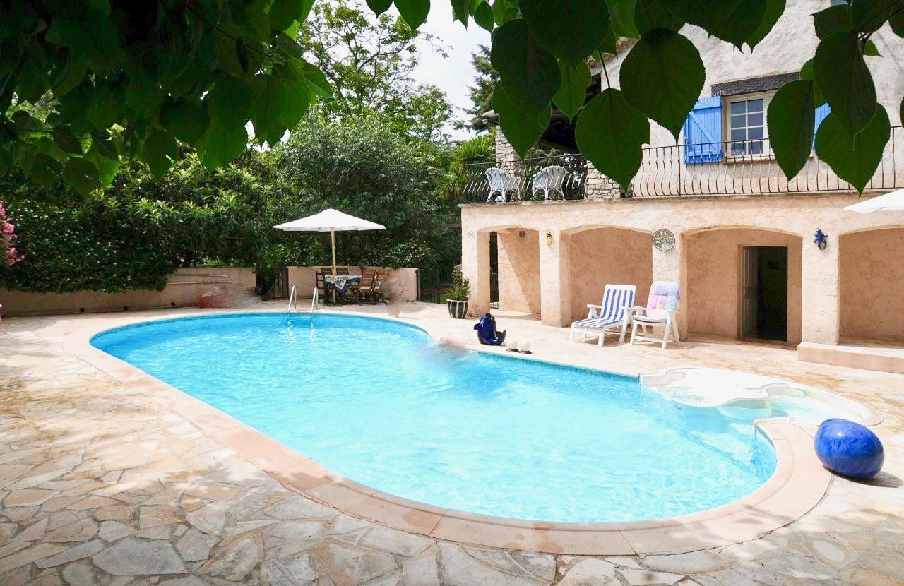 Bed and Breakfast Flayosc, 200m2 with swimming pool.