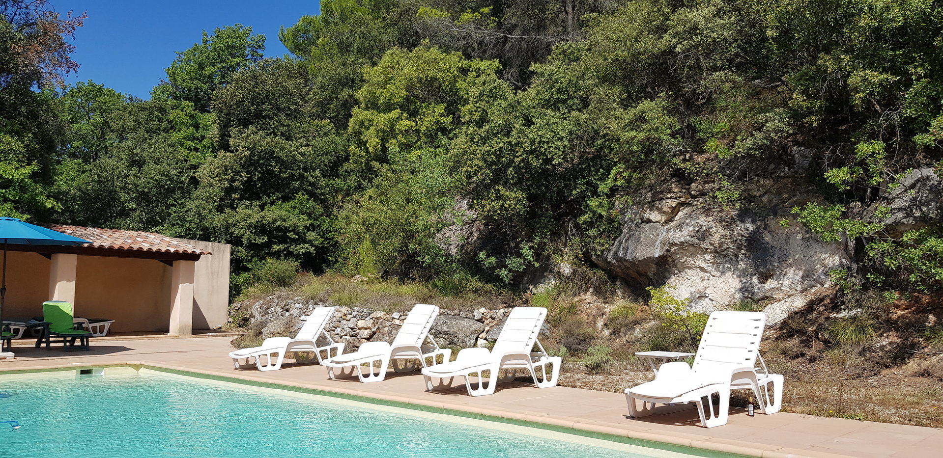 In the heart of the Provence, charming villa for sale.