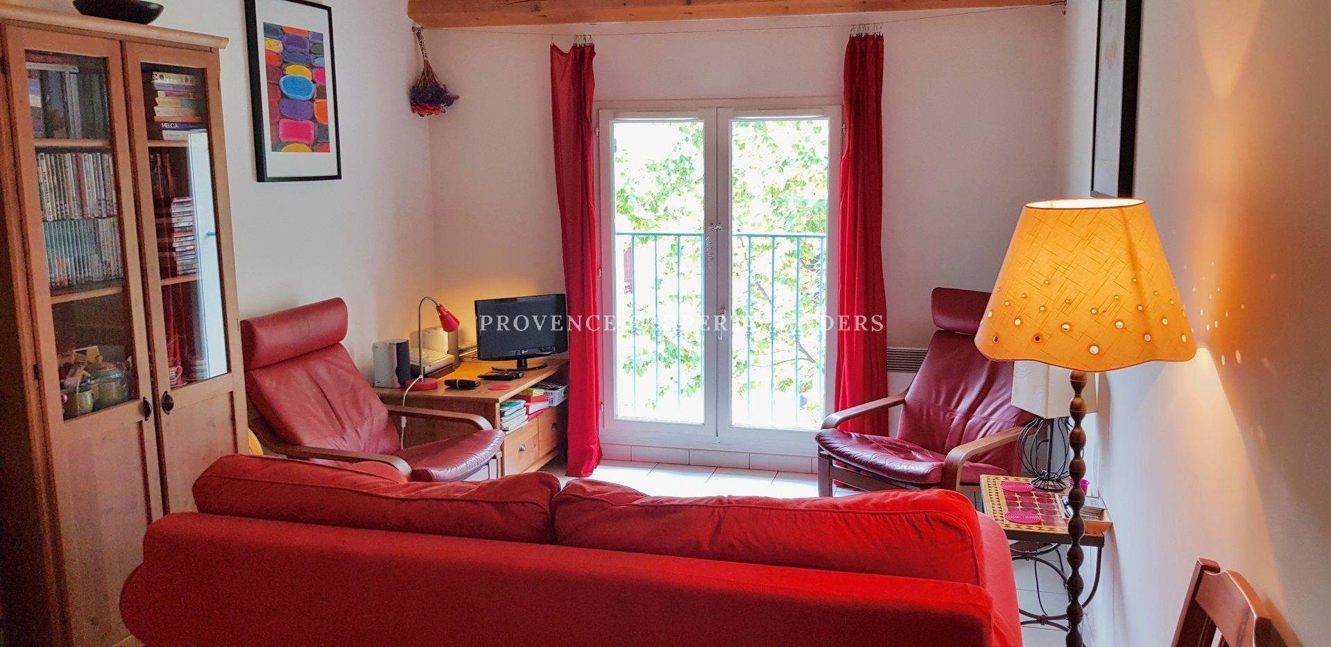 Apartment Duplex 35m2, fully furnished for sale in lovely Lorgues.