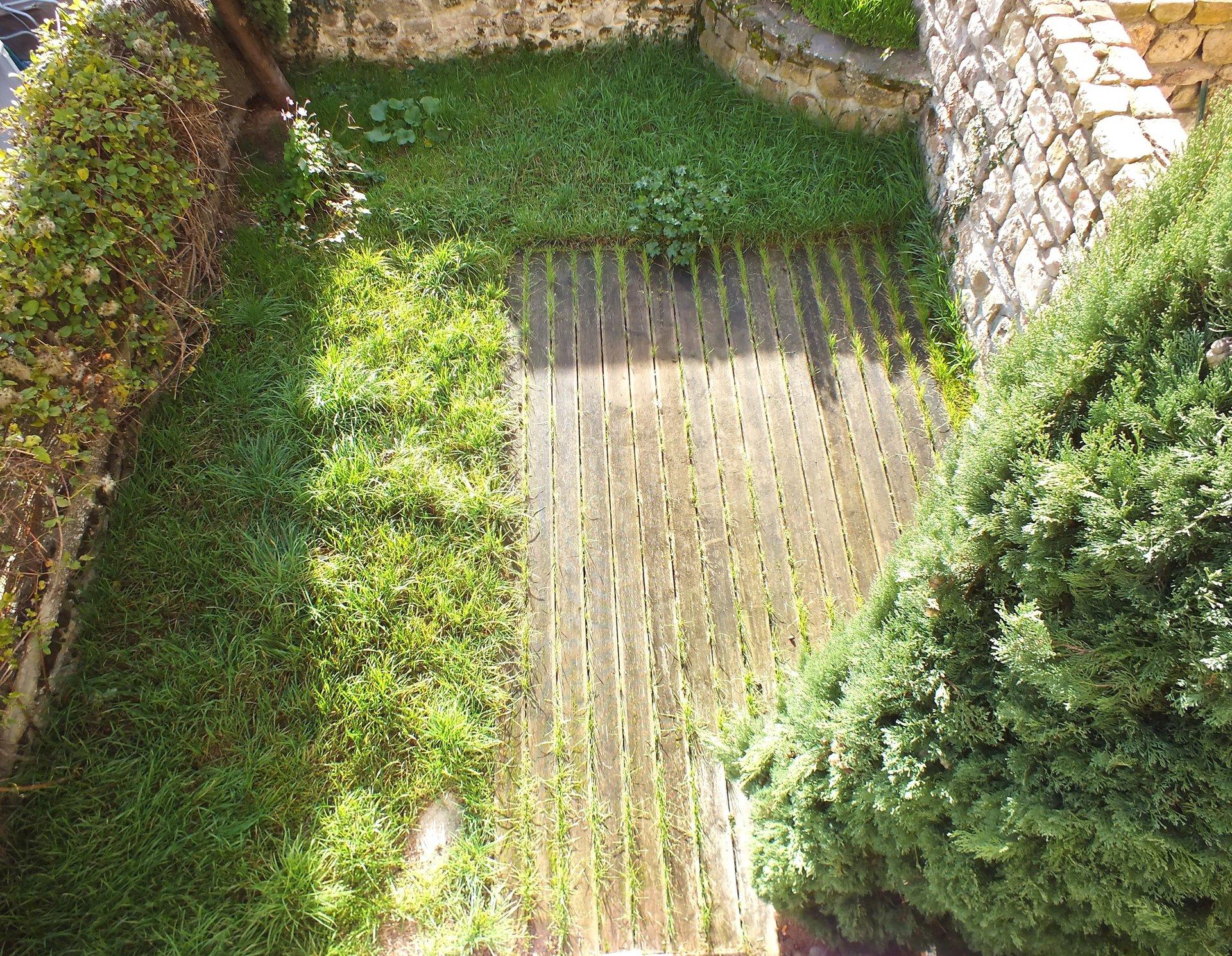 Maison village jardin