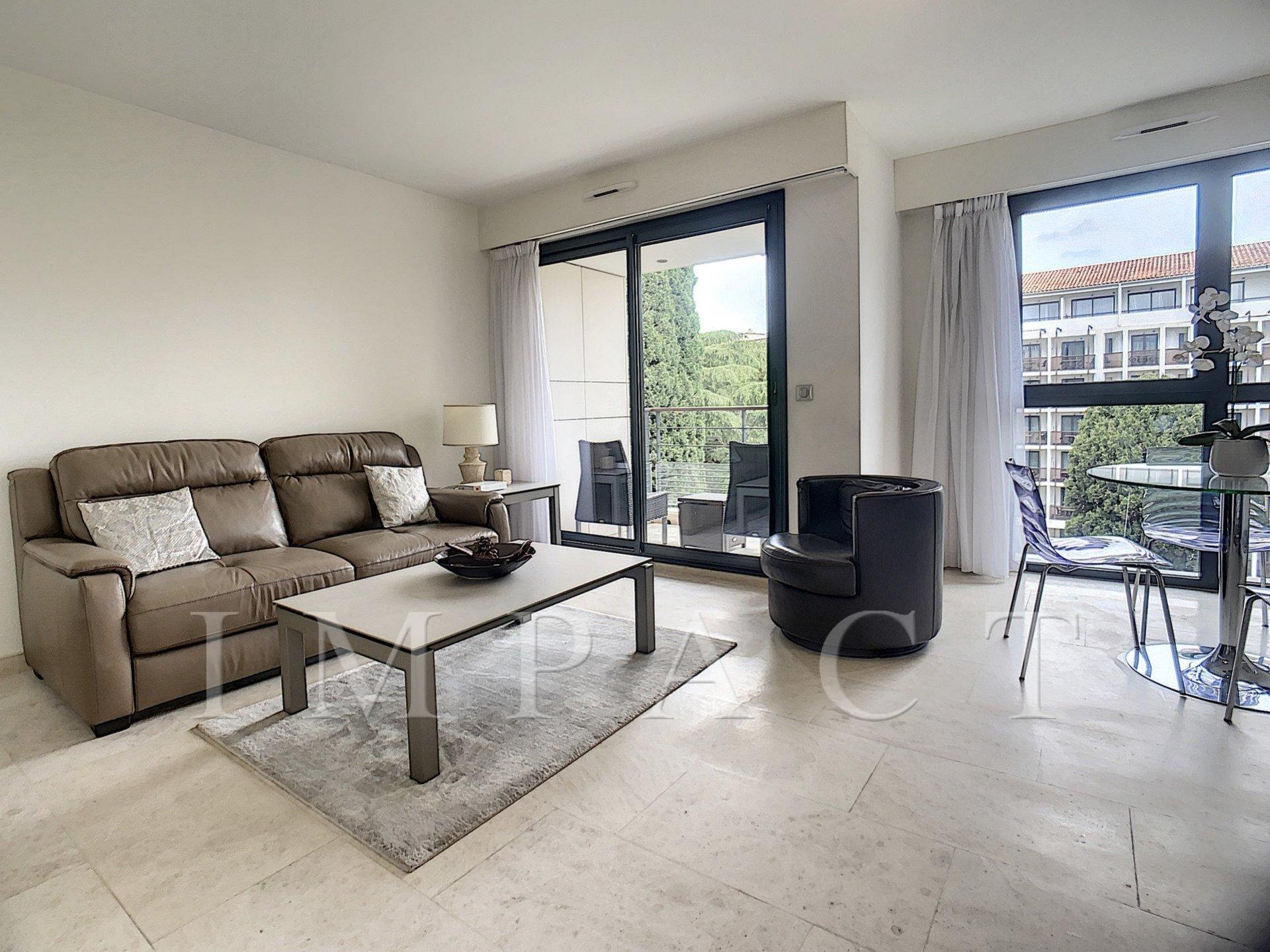 Appartement 2 chambres à louer derrière la Croisette à Cannes