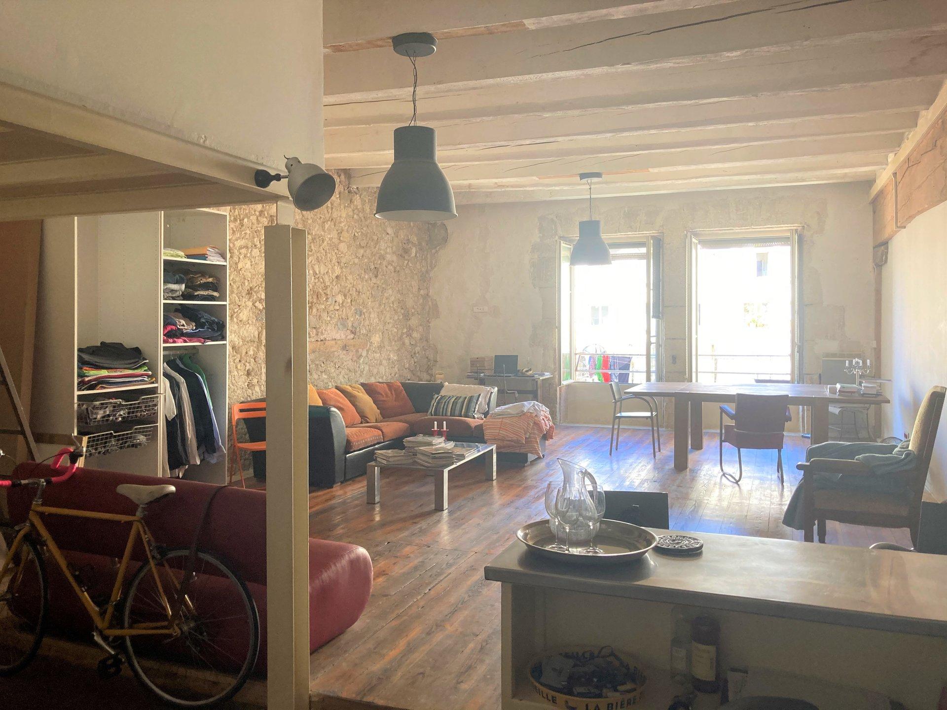 Beau loft 88 m²
