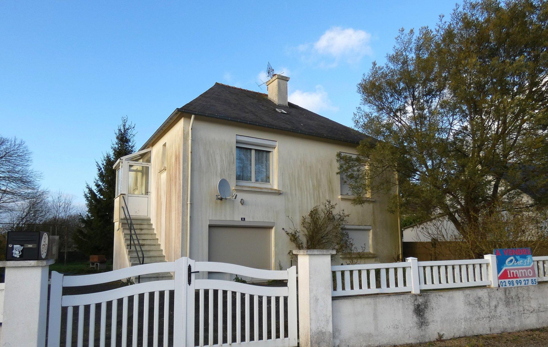 Sale House - Mael Carhaix