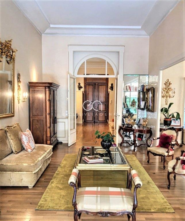 CANNES EXTRAVAGANT BOURGEOIS APARTMENT