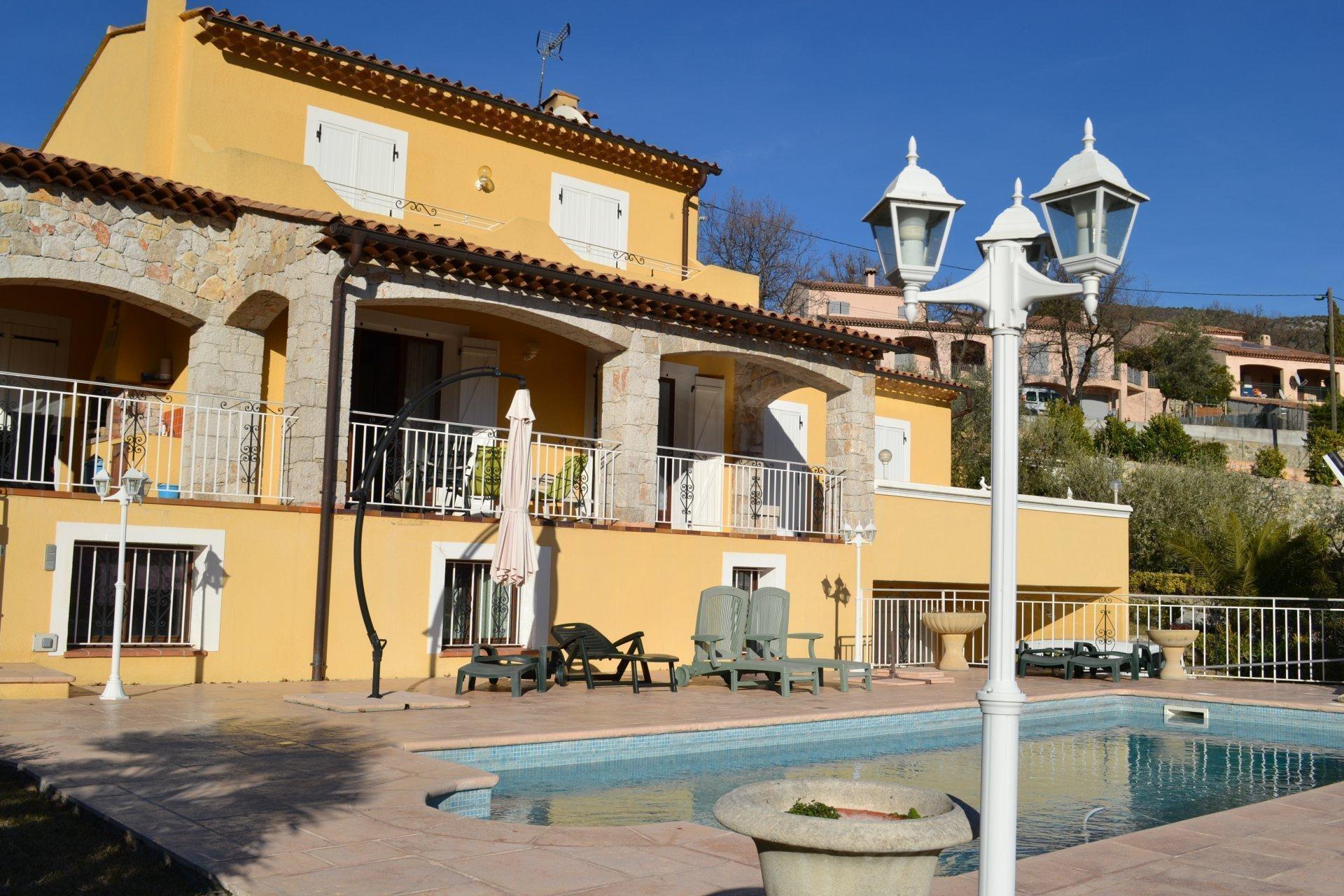 ALPES MARITIMES (06) - TOURETTE LEVENS - Villa piscine