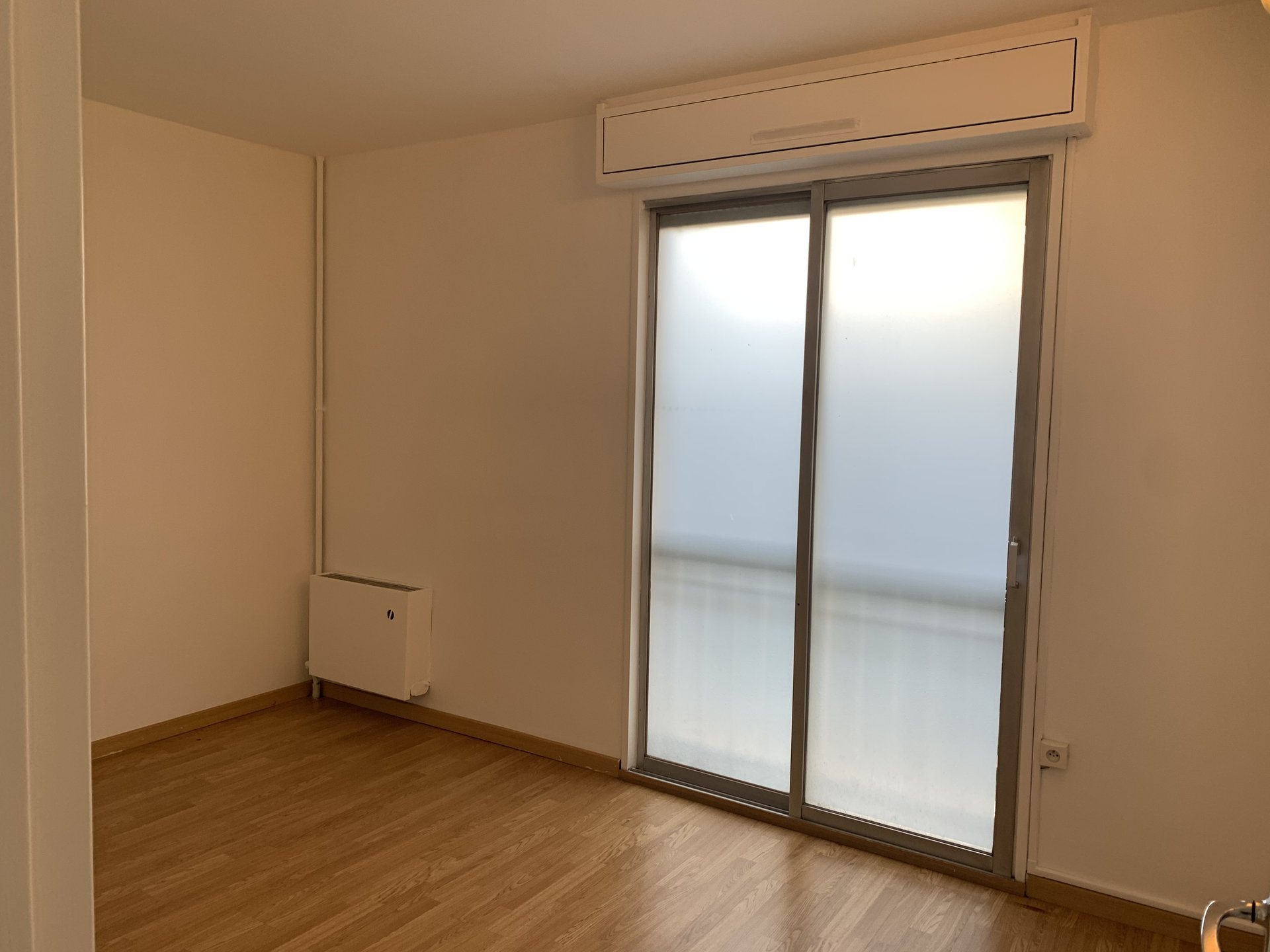 LOCATION PURE-BUREAU-57M2-NICE NORD