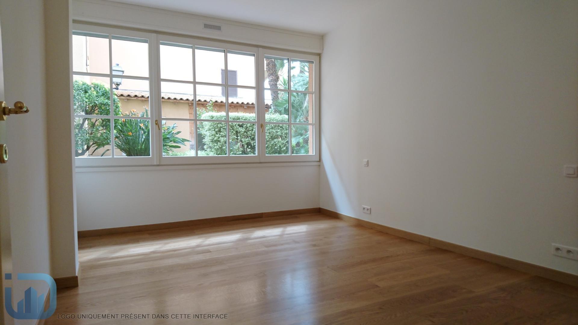 Fontvieille Port -  Geräumige zwei Zimmer Wohnung