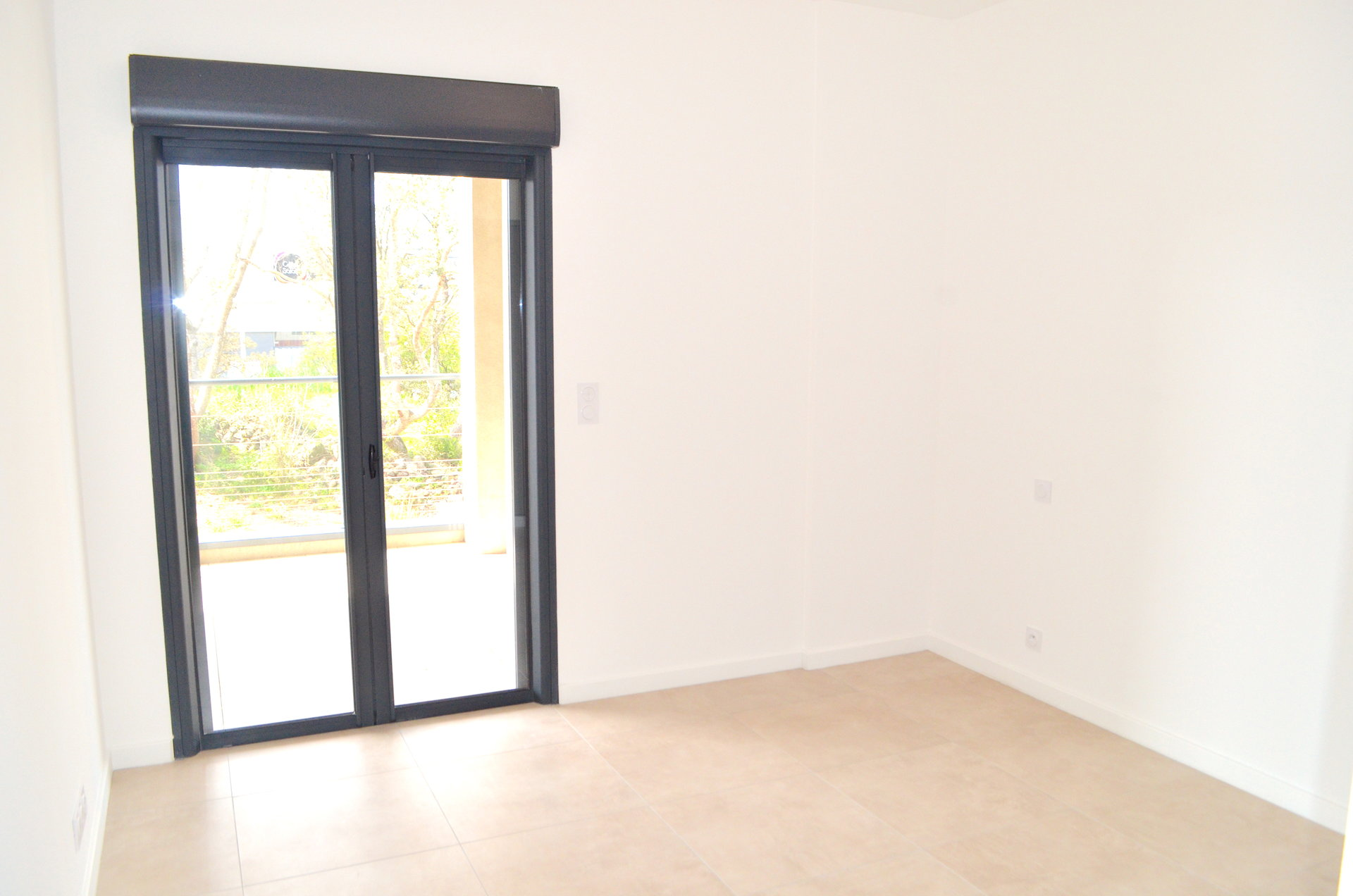 Appartement 3P  95M2 TERRASSE 47M2 Parking sous sol