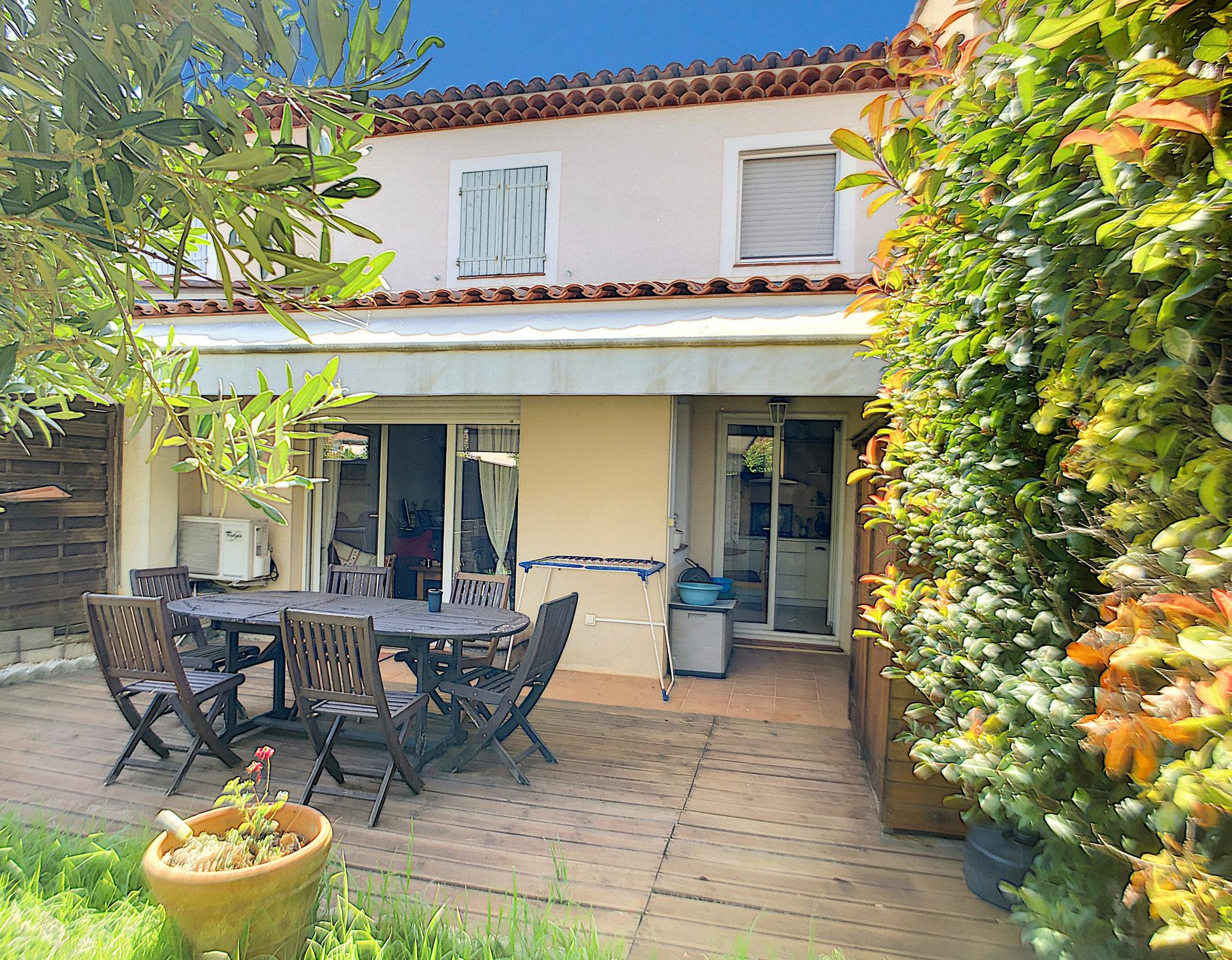 villa in domain