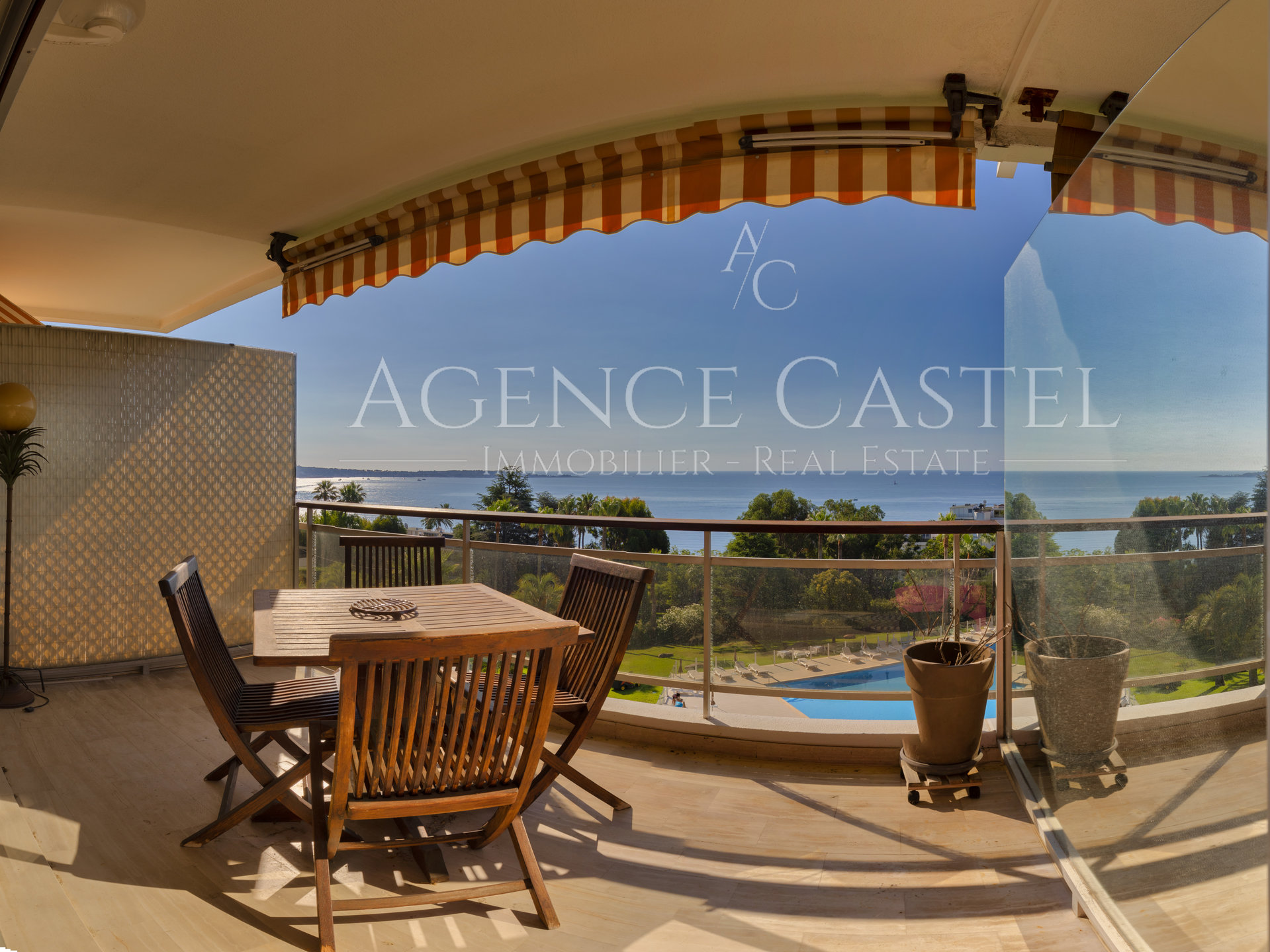 GOLF JUAN ONE BEDROOM APARTMENT TERRACE WITH SEA VIEW