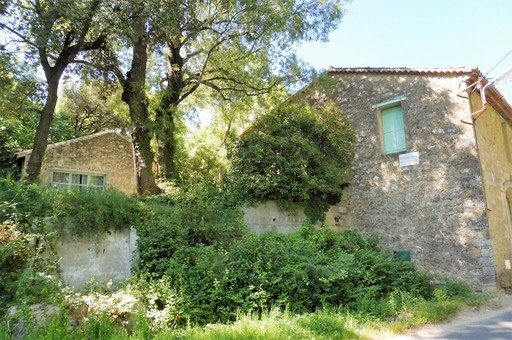 Fabulous B&B complex set in the picturesque Languedoc countryside only 15 kms from Pezenas