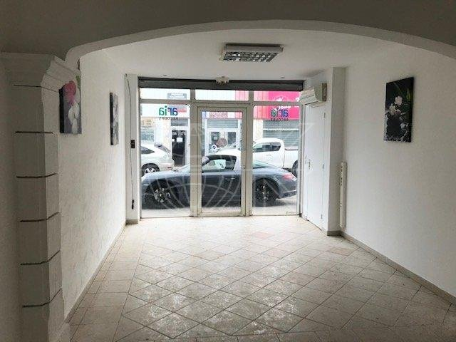 FREJUS - LA PALUD - LOCAL COMMERCIAL/BUREAU