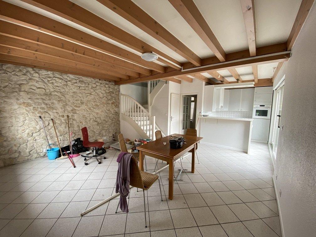 Maison de vilage T4 VINAY