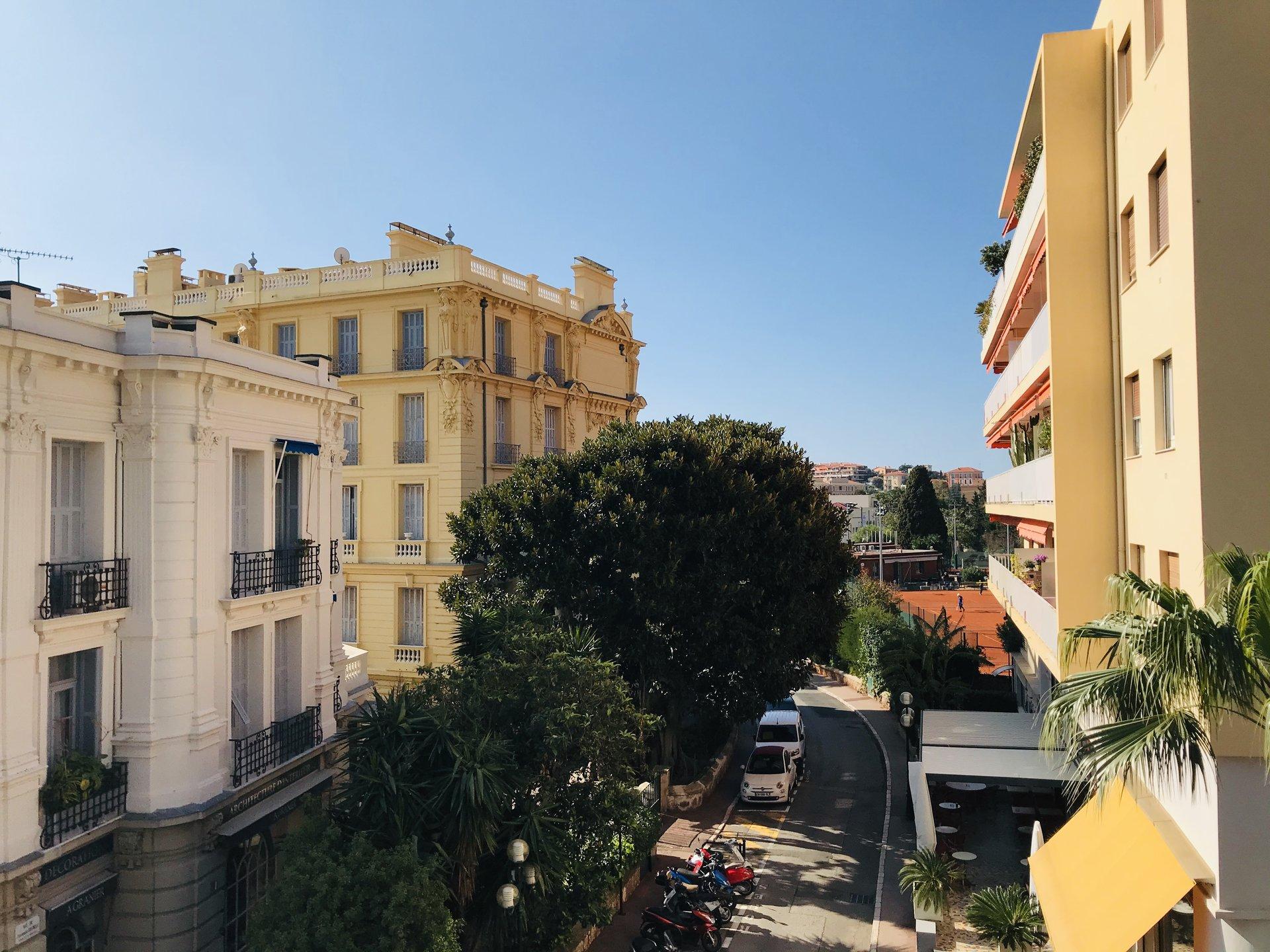 Beaulieu sur mer, 3 pcs, 77 m, balcons, vue dégagé.