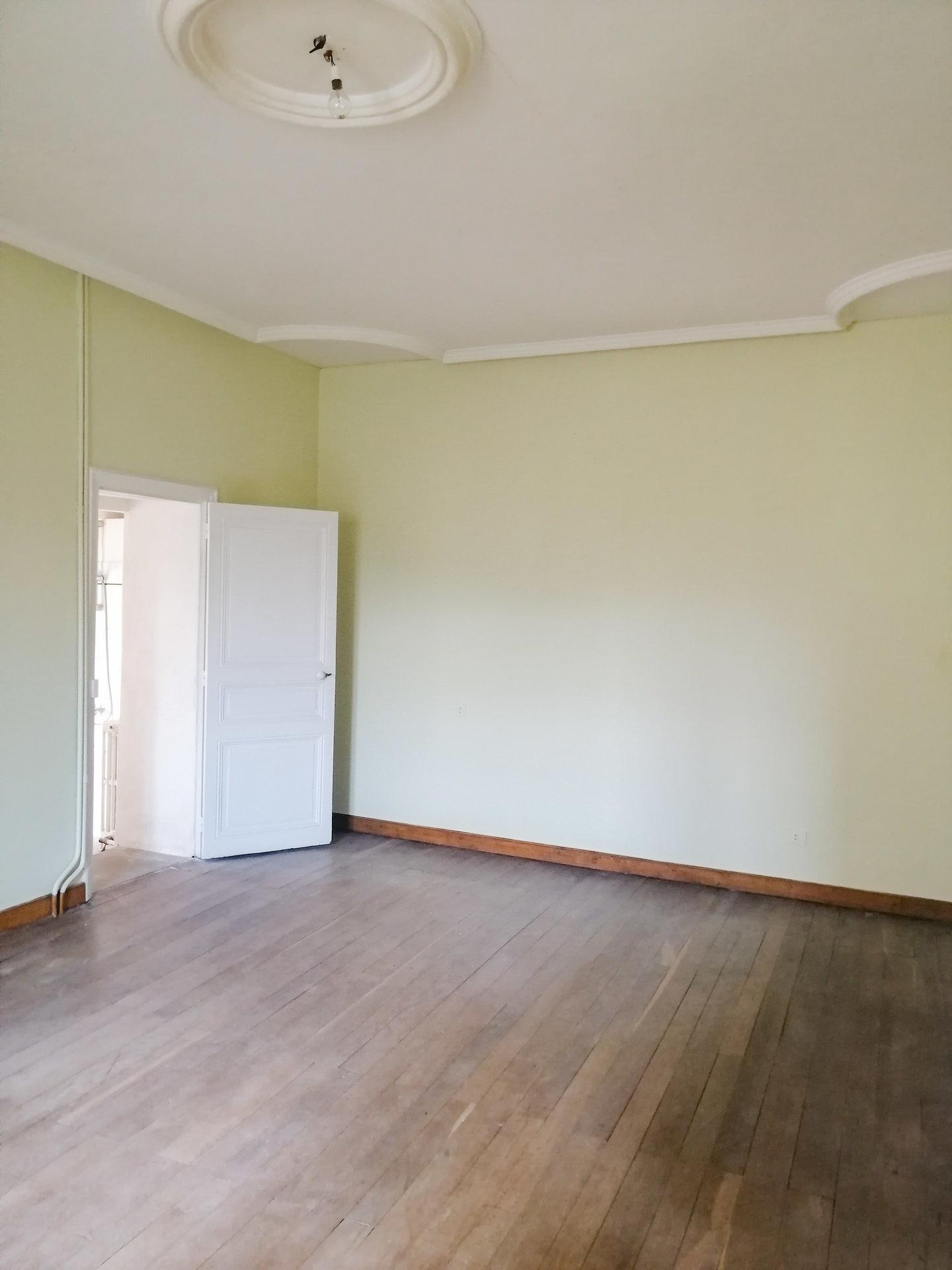 Sale House - Gouex