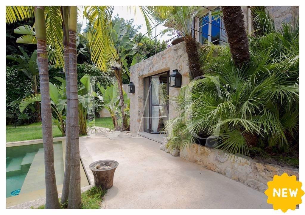 Cannes-Villa-Jardin-Piscine-Vue-Mer-BAC-Estate
