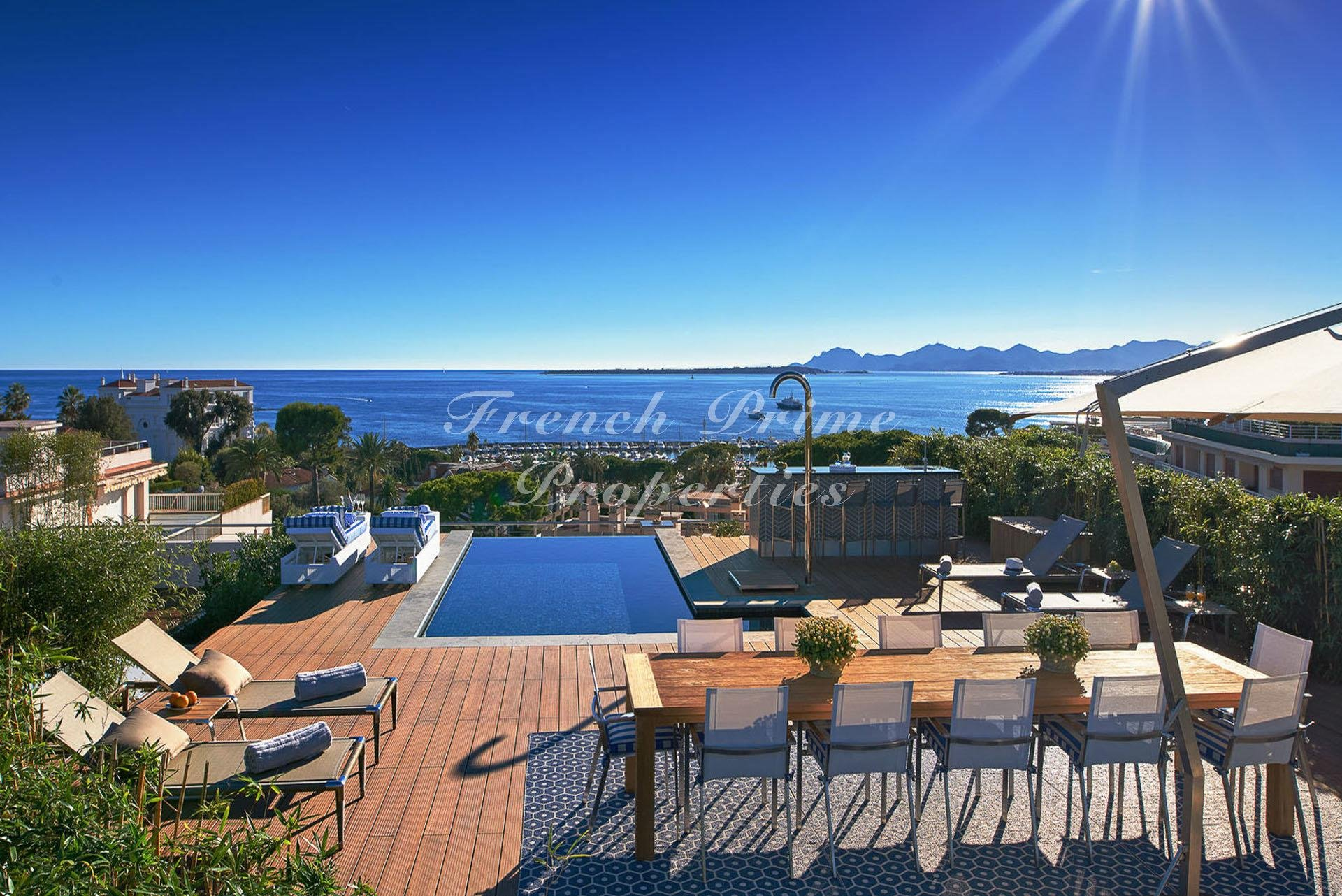 Sale Apartment - Cap d'Antibes Cap-d'Antibes