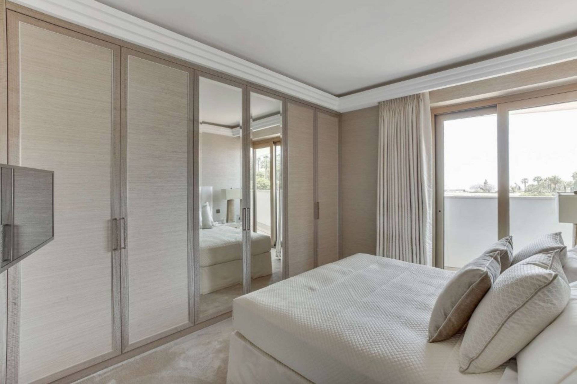 3 комнатная квартира Carré d'Or