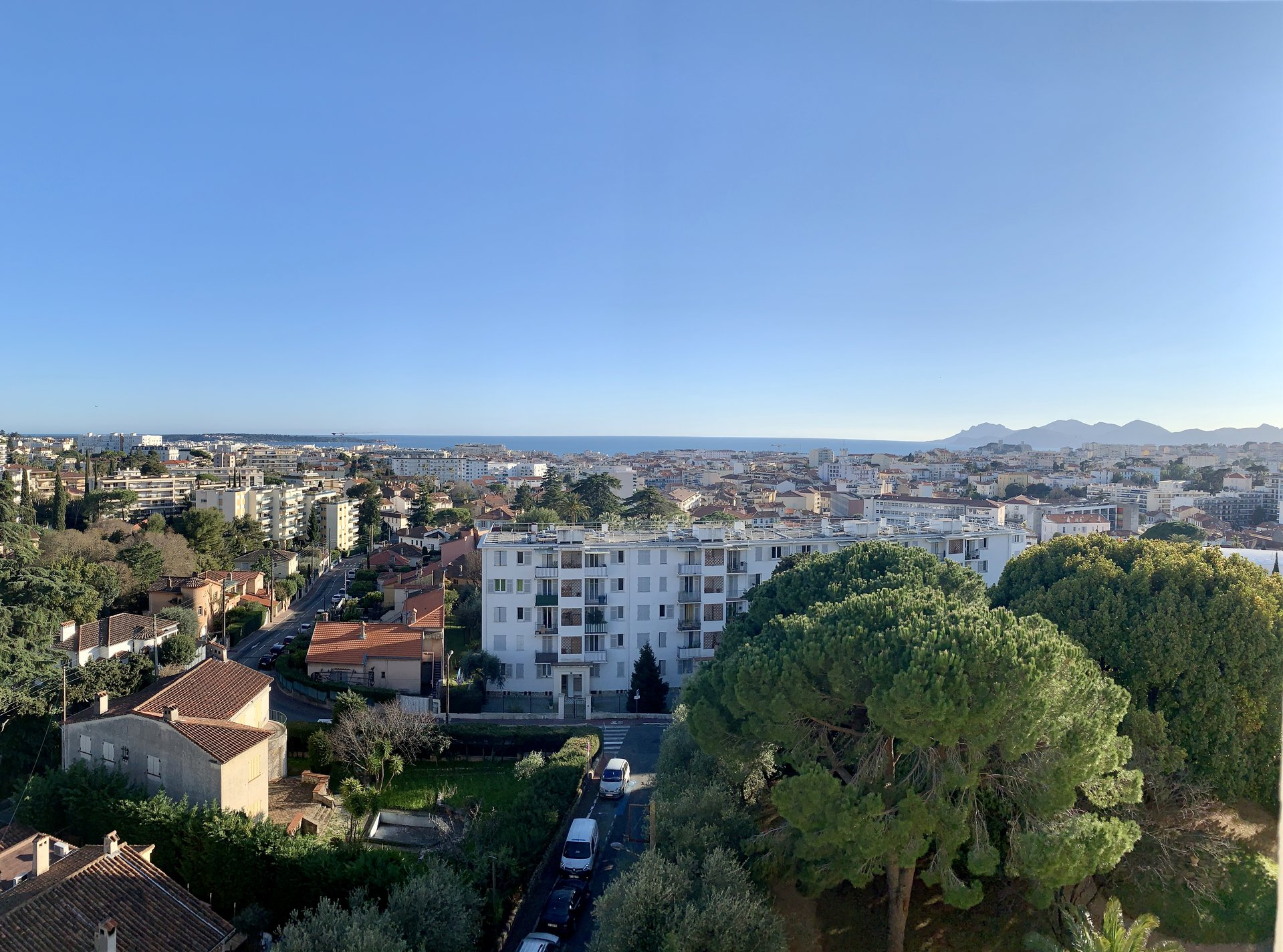 Panoramic sea, Bay of Cannes and park view